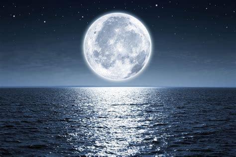 Amélie Renault pleine lune